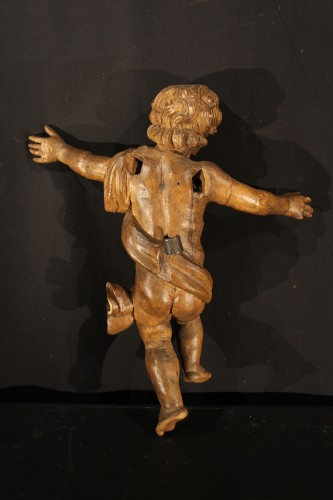 17th century - 17th C Pair of little angels in carved and patinated limewood .