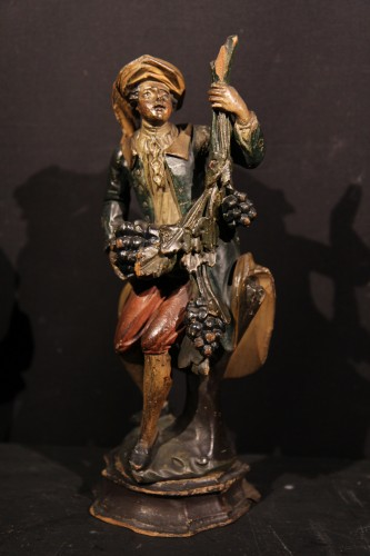 18th century - 18th C Italian Statuettes in  polychrome wood representing the 4 seasons.