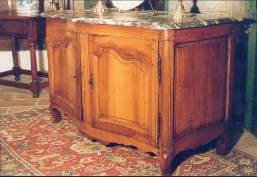 18thC Louis XV hunter buffet (dresser). From Ile-de-France. - Furniture Style Louis XV
