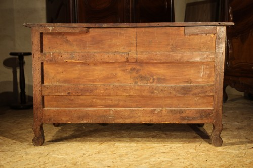 Early 18th C rare Louis XIV commode, so-called Mazarine. In walnut wood.  - Louis XIV