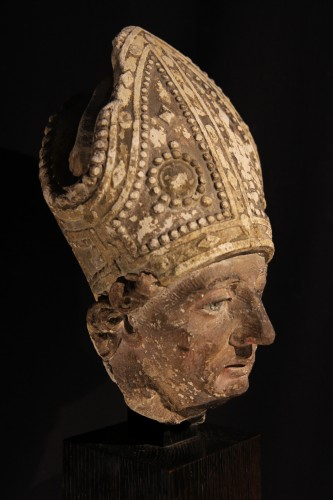 Early 16th C bishop's head in limestone . From Southern France (Languedoc). - Sculpture Style