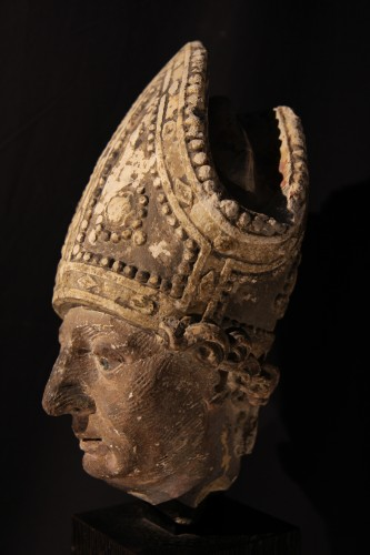 Sculpture  - Early 16th C bishop's head in limestone . From Southern France (Languedoc).