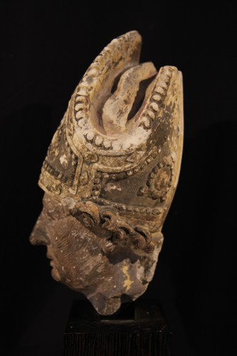 - Early 16th C bishop's head in limestone . From Southern France (Languedoc).