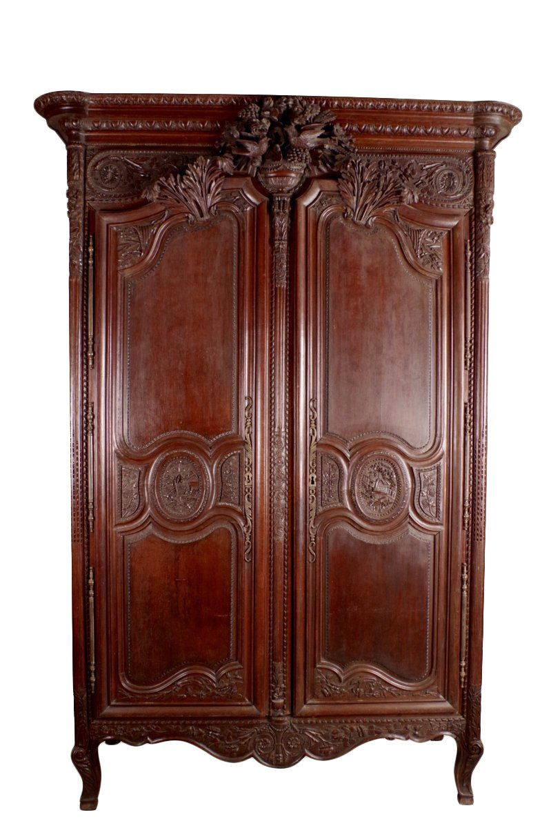 armoire de mariage normande en ch ne xixe si cle. Black Bedroom Furniture Sets. Home Design Ideas