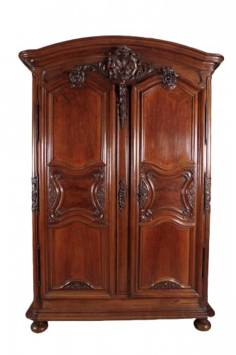 armoire ancienne antiquit s anticstore. Black Bedroom Furniture Sets. Home Design Ideas