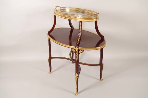 Mobilier Table - Table à thé par François LINKE (1855-1946)