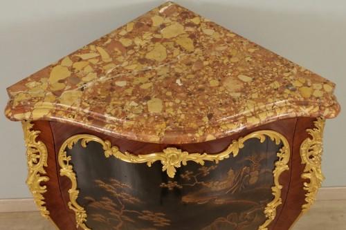 19th century Corner cabinet stamped Millet -