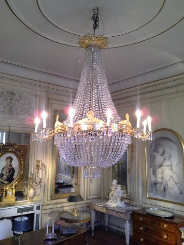 "19th century chandelier so called ""sac à perles"""