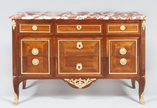A Transition commode, France 18th century - Furniture Style Transition