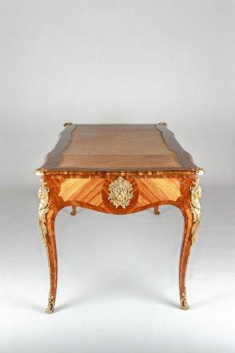 19th century - A Louis XV style Bureau Plat
