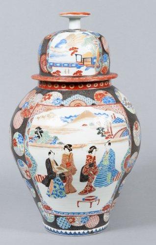Asian Art & Antiques  - Japanese porcelain Vase - Edo period