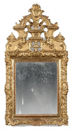 Giltwood mirror of Regence period, early 18th century
