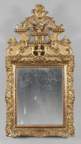 Giltwood mirror of Regence period, early 18th century -