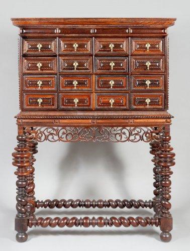 Indo-Portuguese cabinet, 17th century - Furniture Style