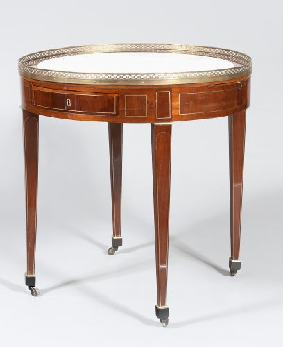 A Louis XVI mahogany table bouillotte - Furniture Style Louis XVI