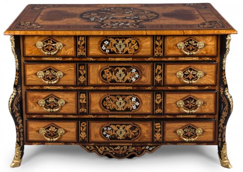 Commode Mazarine dite au « Jasmin » d'époque Louis XIV attribuée à Thomas HACHE