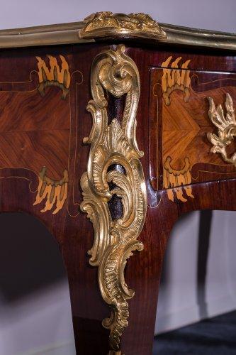 French Louis XV Bureau plat stamped LARDIN, et DELORME FAIZELOT - Furniture Style Louis XV
