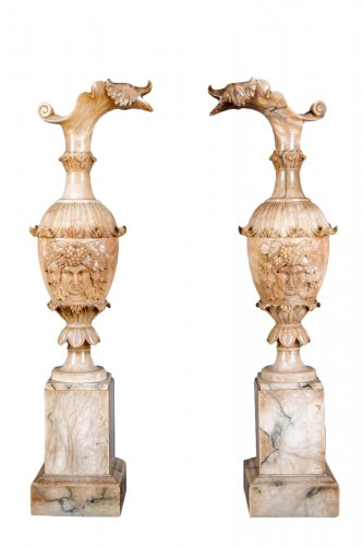 A pair of alabaster ewer, Italy 19th century