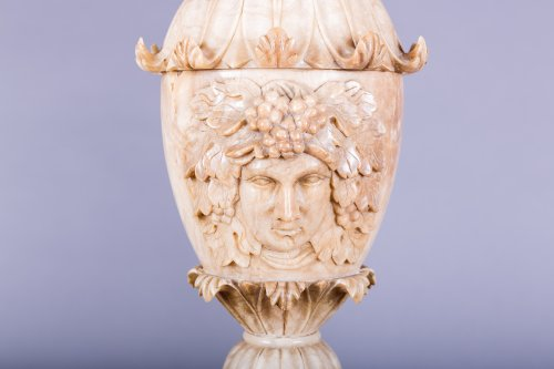 A pair of alabaster ewer, Italy 19th century - Sculpture Style