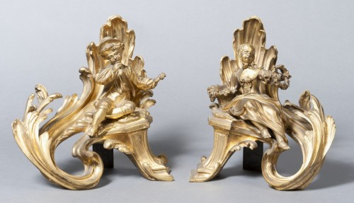 A pair of carved and gilded bronze andirons Louis XV - Decorative Objects Style Louis XV
