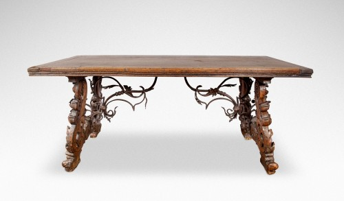 Table in walnut wood, Italy 18th century - Furniture Style