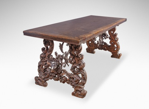 Furniture  - Table in walnut wood, Italy 18th century