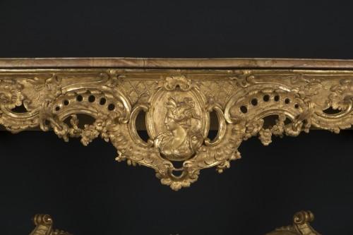 CONSOLE « AU BUSTE D'ÉLÉGANTE »?Attribuée à Jean-Bernard-Honoré TURREAU, dit TORO (16 - Furniture Style French Regence