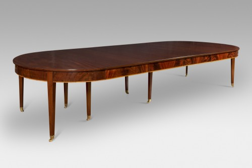 Mahogany Dining Table, England circa 1800 -
