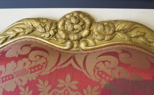 Seating  - Louis XV gilded wood and red silk sofa