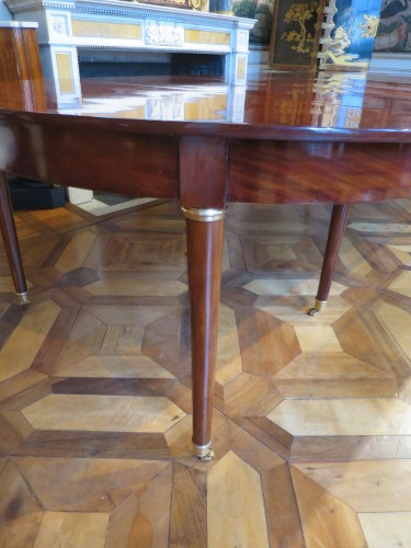 19th century - Mahogany dining table from Directoire period, with four mahogany leaves