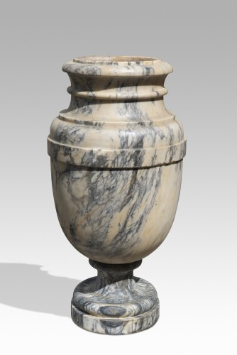 Decorative Objects  - Pair of marble vasques Italy eighteenth century