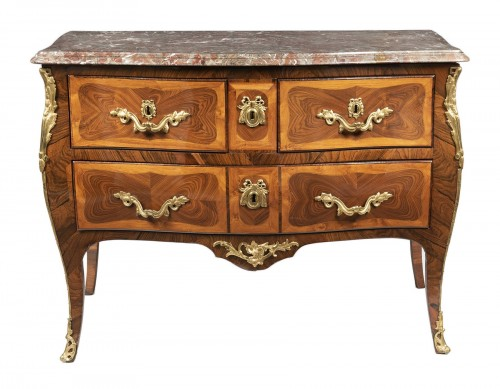 Commode d'époque Louis XV estampillée TAIRRAZ