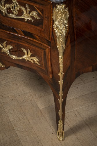 LOUIS XV commode sauteuse with three drawers by JACQUES BIRCKLÉ -