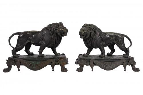 Paire of bronze lions by Paul Edouard Delabrièrre