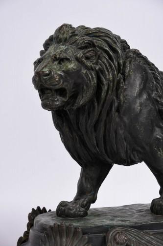Paire of bronze lions by Paul Edouard Delabrièrre - Sculpture Style