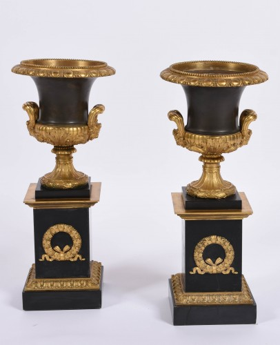 Pair of Empire Medicis bronze and marble vases - Decorative Objects Style Empire