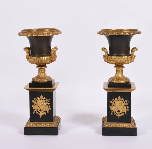 19th century - Pair of Empire Medicis bronze and marble vases