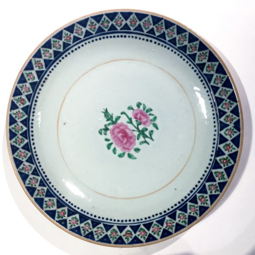 China for the Islamic market, set of 22 shallow bowls, late 18th, early 19t -