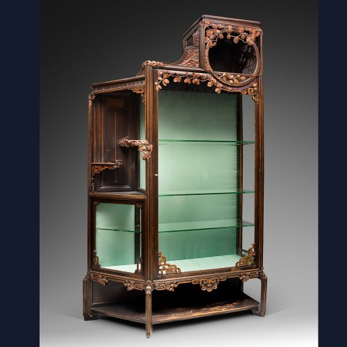 Art Nouveau showcase in the Japonism style. - Art nouveau