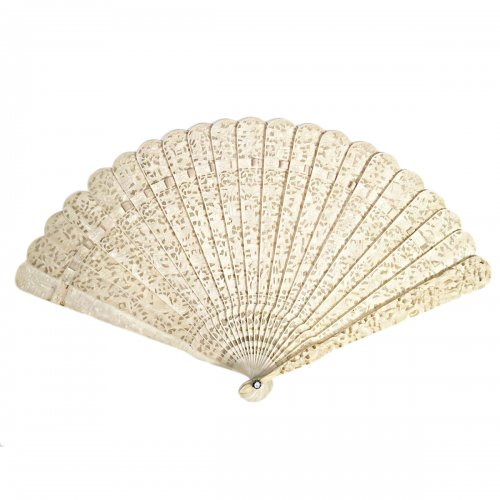 Chinese export ivory fan circa 1820 - 1850