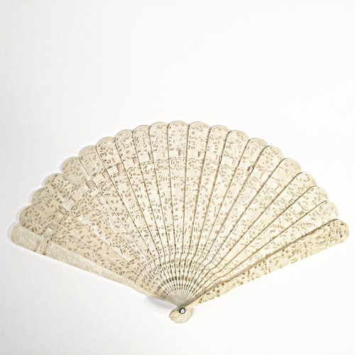 Chinese export ivory fan circa 1820 - 1850 - Asian Art & Antiques Style