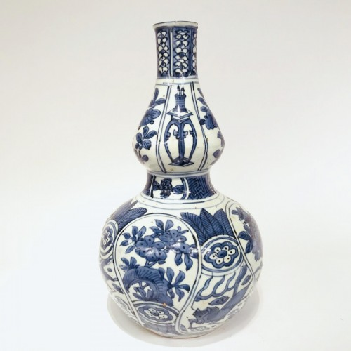 17th century - Double-gourd porcelain vase - China, Ming Dynasty, Wanli period (1573-1620)