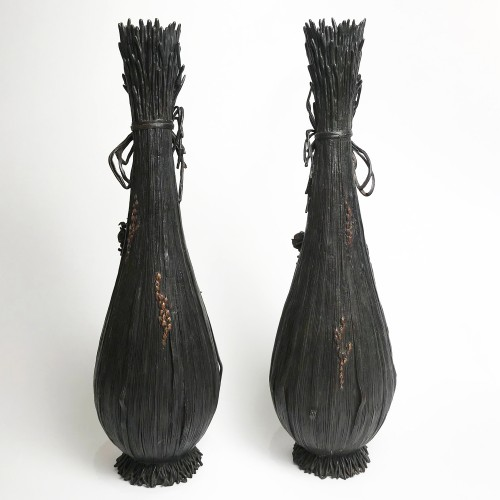 A Pair of  bronze vases by Oshima Joun, Meiji Period -