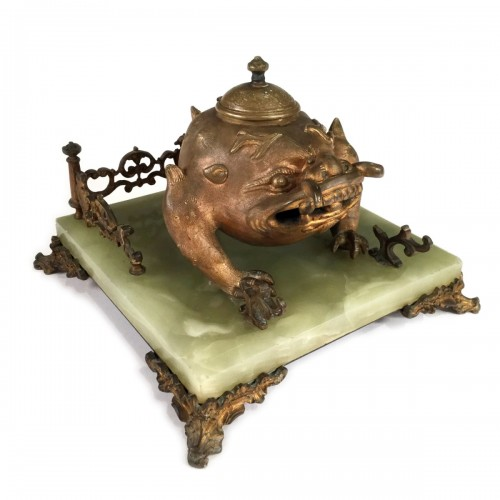 Art Nouveau Bronze Japonism  Inkwell by Santamaria, late 19th c.