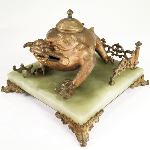 Art Nouveau Bronze Japonism  Inkwell by Santamaria, late 19th c. - Decorative Objects Style