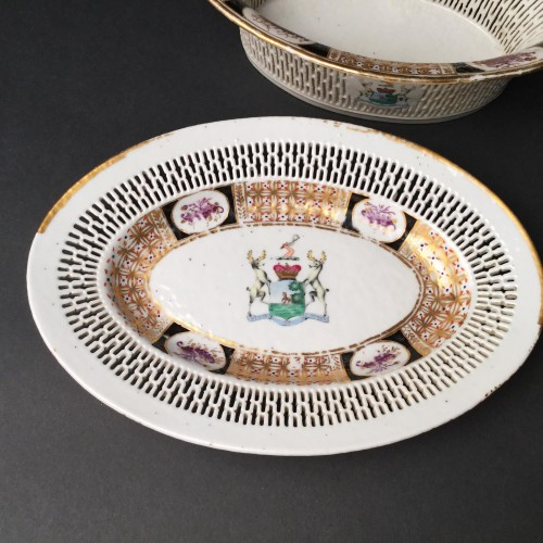 Chinese Export armorial basket and stand, circa 1795- 1810 -