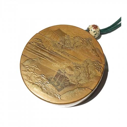 Round lacquer inro, Edo period 18th c