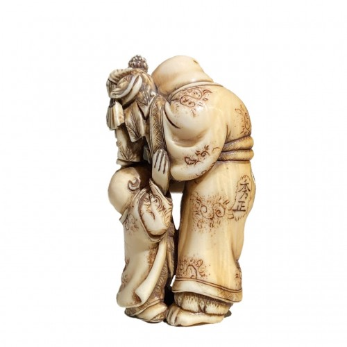 Asian Works of Art  - The puppeteer, netsuke by Hidemasa, Japan, Edo period, 19th c