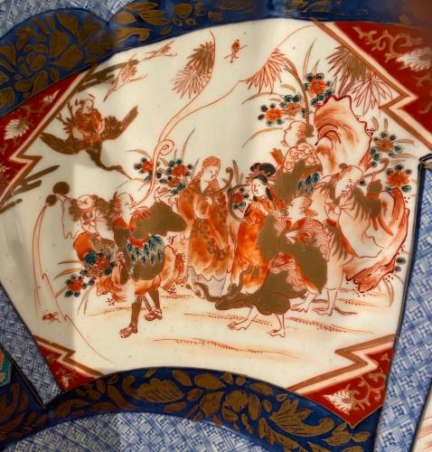 Very Large Imari Charger, Meiji period. -