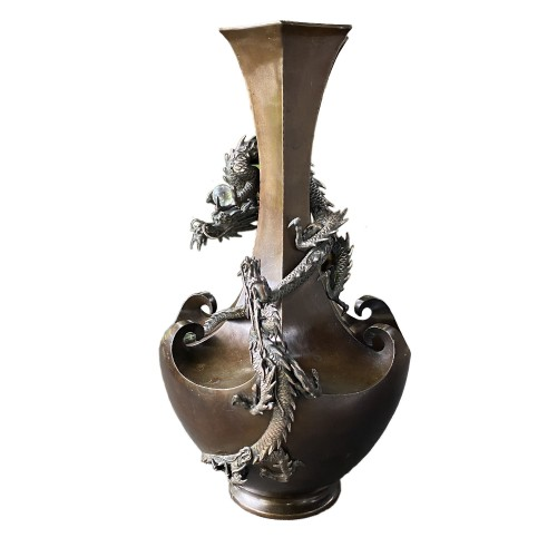 Bronze vase with decoration of dragons, Japan Meiji period circa 1880 -